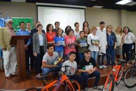 Niños y jóvenes fueron premiados por su arte en torno a la donación voluntaria de sangre