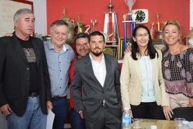 El gobierno provincial entregó aportes a instituciones deportivas y atletas en San José
