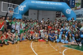 El gobierno provincial entregó la Copa Challenge Entre Ríos a los mejores equipos de básquet