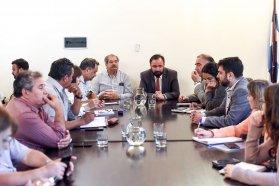 El gobierno continua el dialogo con los estatales  para acordar un aumento salarial
