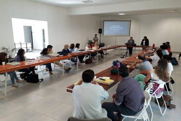 Encuentro provincial de rectores de institutos de nivel superior en Paraná