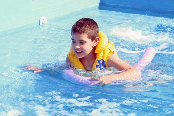Difundieron medidas de prevención para evitar ahogamientos y lesiones en piletas