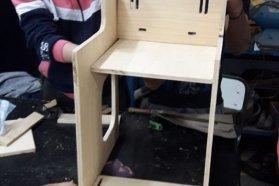 Estudiantes de Ibicuy construyeron una silla postural y la donaron