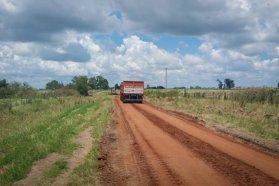 Continúan las tareas de conservación de caminos en San Salvador