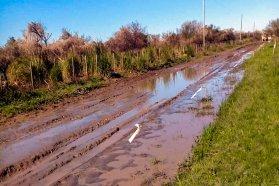 Prosiguen los cortes de caminos naturales en toda la provincia por el mal tiempo