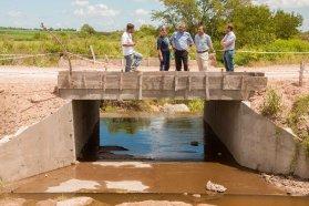 Se construye la calzada de Llorens cerca de Tezanos Pinto