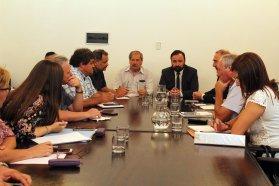 La provincia reabre la mesa paritaria con los gremios estatales