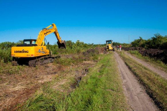 Vecinos destacan los trabajos en  camino rural de Crucecita séptima