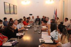 El gobierno mejoró la propuesta y ofreció 20 por ciento de aumento a los trabajadores de la administración pública