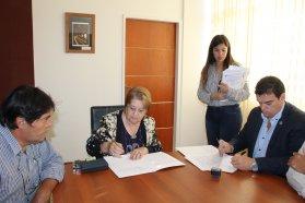 El CGE y Nogoyá firmaron un acuerdo para realizar actividades campamentiles