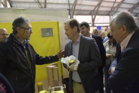 Bordet ratificó el compromiso de trabajo con el sector productivo en la Expo Apícola de Maciá