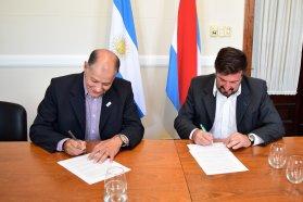 La provincia firmó con la UNER un nuevo convenio para el traslado del equipo de monitoreo de aire