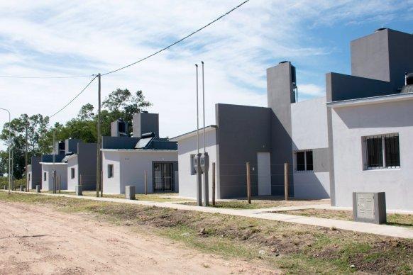 Licitaron la construcción de nuevas viviendas con recursos provinciales  en Nogoyá y Enrique Carbó
