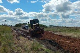 Mejoran caminos rurales en seis Juntas de Gobierno del departamento Gualeguaychú