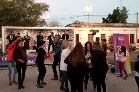 Villa Urquiza recibió al camión escenario viajero de Cultura Encendida