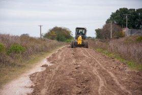 Vialidad avanza con el repaso de caminos de vinculación productiva en distintos puntos de la provincia