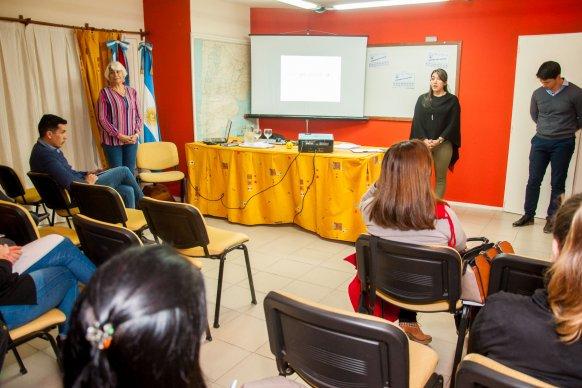 Desarrollan un plan de capacitaciones para empleados públicos en Vialidad