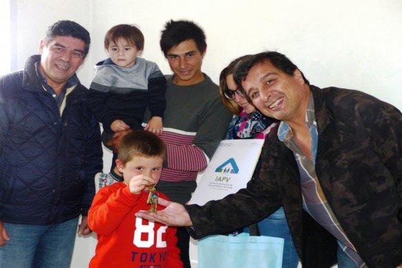 Más de 1000   familias entrerrianas cancelaron las cuotas de sus viviendas sociales