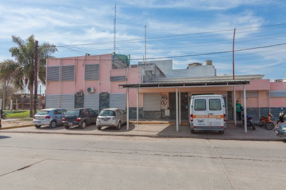Brindan educación física para adultos en el centro de salud Carrillo de Paraná
