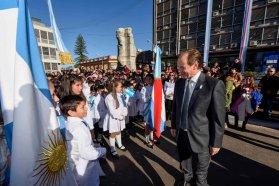 Bordet tomó la promesa de lealtad a la Bandera a alumnos de 4to grado