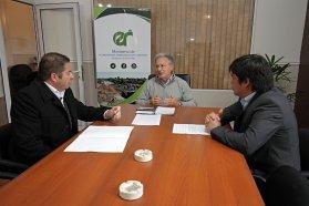 Gobierno y municipio evaluaron obras y proyectos para Seguí