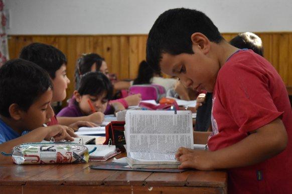 Más de 5.000 gurises entrerrianos asisten al programa Educando en Movimiento del Instituto Becario