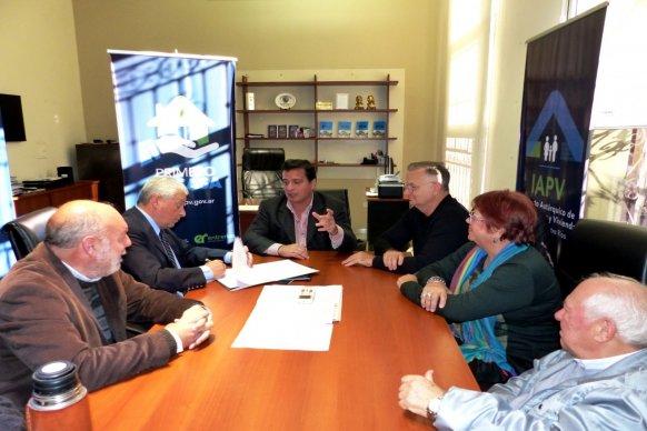 La provincia rubricó  convenio para construir 30 viviendas de Vicoer en Concepción del Uruguay
