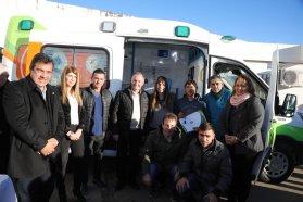 La provincia entregó una ambulancia cero kilómetro al hospital de Bovril