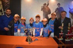 Presentaron el 24º Campeonato Infantil de Sóftbol en Paraná