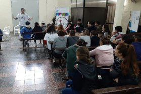 Comedia y tragedia se presentó en el instituto de gestión social Pablo de Tarso