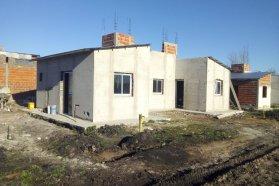 Progresa la construcción de viviendas en La Criolla y Hasenkamp