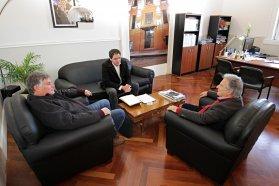Continúan las reuniones con las autoridades electas de Larroque para trabajar en materia de obra pública