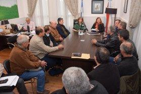 Se articulan herramientas para mejorar los caminos en juntas del departamento Uruguay