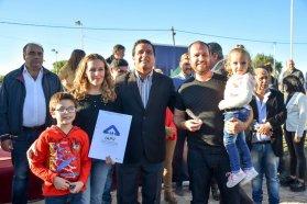 Iniciaron la construcción de nuevas viviendas en Villa del Rosario con recursos provinciales