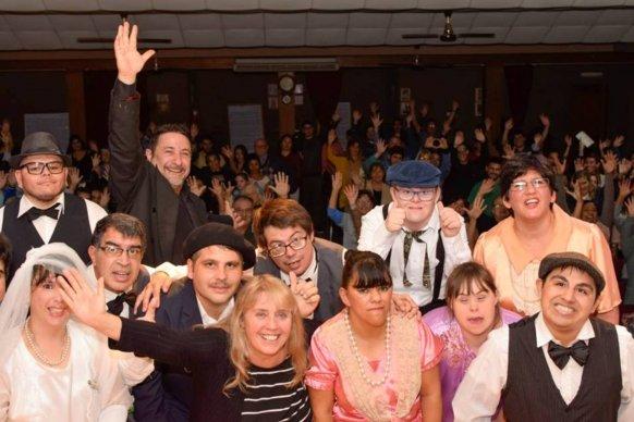 Ofrecen una propuesta teatral que promueve la inclusión y la cultura en toda la provincia
