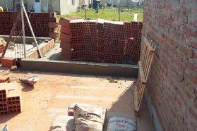 Se continúa la construcción de  viviendas en El Pingo con recursos provinciales
