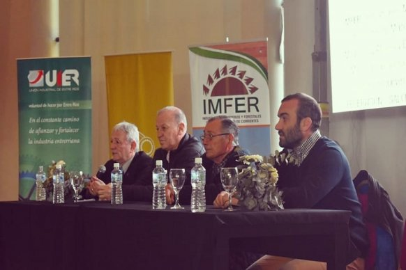 La provincia participó en jornadas forestal e industrial en Federación