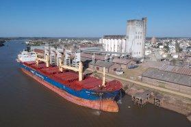 En una semana se embarcaron tres buques con producción entrerriana en Concepción del Uruguay
