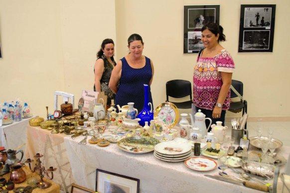 Más de un centenar de personas visitaron la Feria de Antigüedades en la ex Barraca Americana de Concordia