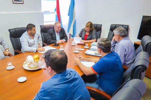 Planifican obras viales para el departamento Colón