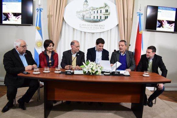 Se presentó la Diplomatura en Estudios Críticos en Política y Economía
