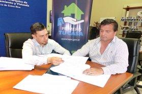 La provincia rubricó contratos para construir 90 viviendas en localidades entrerrianas