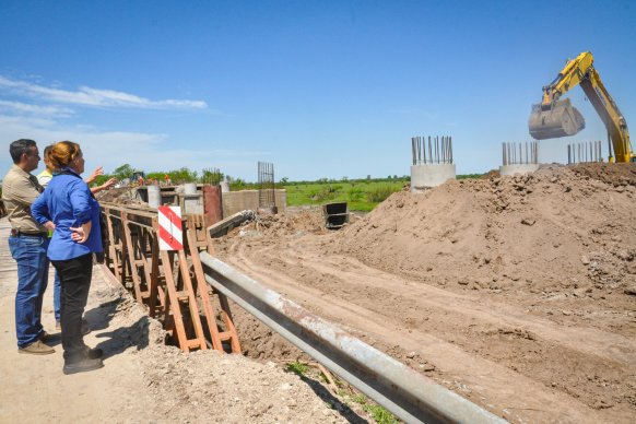 Avanza la construcción de los puentes sobre arroyo Don Cristóbal departamento Nogoyá