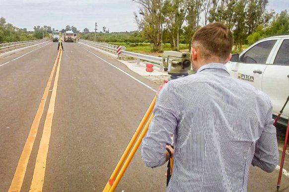 Realizaron diversas pruebas de carga en el puente de Hernandarias