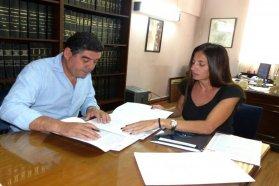 La provincia rubricó el contrato para construir 20 nuevas viviendas en Racedo