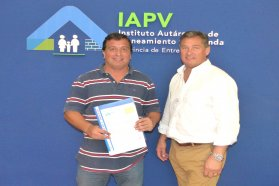 La provincia rubricó convenio para construir 15 viviendas para docentes en Diamante