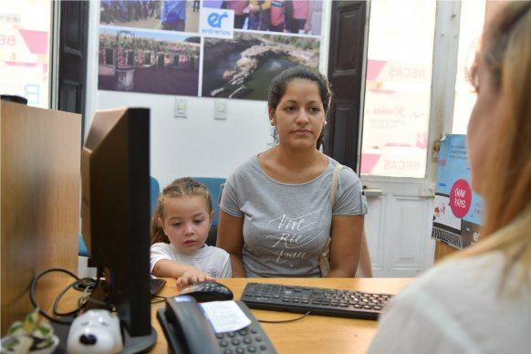 Comenzó el trámite online para becas secundarias