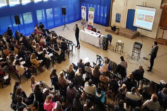 El CGE trabaja en las escuelas  la prevención de adicciones