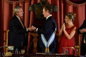 Alberto Fernández entregó los atributos de mando a Gustavo Bordet y destacó su gestión en la provincia