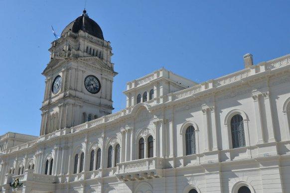 Mañana se retoma el cronograma de pagos para trabajadores públicos y jubilados